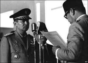 soeharto-dilantik-menjadi-presiden-setelah-mengeluarkan-supersemar-ke-presiden-sukarno